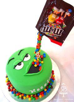 Anti Gravity Cake, Gravity Defying Cake, Cupcakes, Cupcake Cakes, Fountain Cake, Sewing Machine Cake, Oreo Torte, 14th Birthday Cakes, Cake Frame
