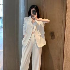 Kpop Fashion Outfits, Girls Fashion Clothes, Edgy Outfits, Suit Fashion, Cute Casual Outfits, Look Fashion, Fashion Pants, Clothes For Women, Outfits Mujer