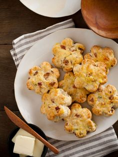 Bacon, Gruyere, and Green Onion Scones   Spoon Fork Bacon