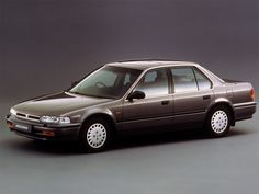The fourth generation Honda Accord is larger than the previous versions and based on the CB chassis designed in Japan. This was the first Accord not to be designed as a hatchback and was also m. Honda Accord Ex, Classic Motors, Classic Cars, Honda Cars, Honda Auto, Chevrolet Chevelle, Love Car, Japanese Cars, Jdm Cars