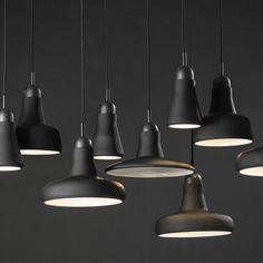 Combo Design is officieel dealer van Brokis ✓ Shadows lampen makkelijk te bestellen ✓ Gratis verzending (NL) ✓ Altijd de beste prijs ✓ Deskundig advies Light And Shadow, Light Fixtures, Ceiling Lights, Lighting, Pendant, Design, Home Decor, Dinner Room, Corning Glass