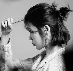 """Find and save images from the """"— iu"""" collection by ᶜᴬᴺᴰʸ (proudexol) on We Heart It, your everyday app to get lost in what you love. Estilo Beatnik, Hair Inspo, Hair Inspiration, Korean Short Hair, Balayage Blond, Mode Kpop, Shot Hair Styles, Girl Short Hair, Dream Hair"""