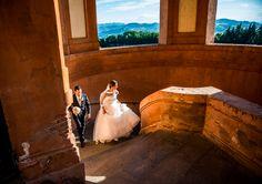 Ilaria e Mirco si sono sposati a Ozzano dell'Emilia, località in cui abitano. Hanno celebrato in chiesa la loro unione in una splendida giornata di sole. Successivamente hanno festeggiato nella prestigiosa location del Palazzo del Vignola ad Argelato di Bologna.   http://www.studiodimedia.com/#!ilaria--mirco/c284