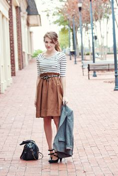OK I love this outfit...especially the skirt