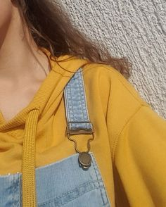 Most of the most popular bags do not meet a certain aesthetics this season. Art Hoe Aesthetic, Aesthetic Colors, Aesthetic Pictures, Aesthetic Clothes, Aesthetic Yellow, Yellow Theme, Outfit Look, Looks Vintage, Mellow Yellow