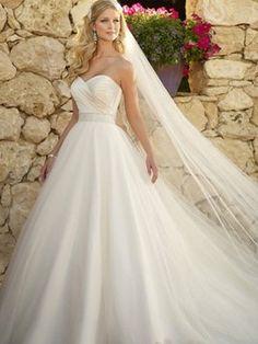 Allure Bridals Sweetheart Princess Dress Wedding Dress $600