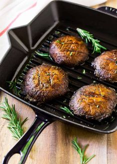 How to make the best Grilled Portobello Mushrooms. Easy, low-carb, vegan recipe that's great for a portobello steak, grilled portobello mushroom burger, and Meatless Monday dinners. The simple portobello mushroom marinade gives them incredible flavor! Portobello Mushroom Marinade, Portobello Steak, Vegan Grilling, Grilling Recipes, Vegetarian Barbecue, Barbecue Recipes, Vegetarian Cooking, Healthy Eating Tips, Healthy Snacks