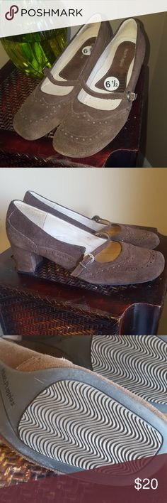"""Hush Puppies sued Mary Jane euc Very light wear. Size 6 1/2 brown suede. Heels measure just under 2 1/2"""" Hush Puppies Shoes Heels"""