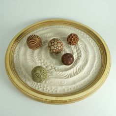 Tabletop Modern Zen Garden: Circles Package, 15 Circular Wooden Tray, Sand 5 Cement Spheres In order to have a … Zen Sand Garden, Mini Zen Garden, Miniature Zen Garden, Ferns Garden, Creative Zen, Sand Tray, Clay Stamps, Tabletop, Circle Pattern