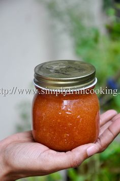 This guava jam was a hit. What stood out for me in this guava jam recipe was the natural guava taste that permeated throughout. Guava Desserts, Guava Recipes, Cuban Recipes, Jelly Recipes, Jam Recipes, Canning Recipes, Sweets Recipes, Recipe For Guava Jam, Marmalade