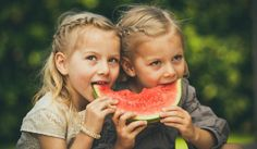 5 easy-prep (and super healthy) snacks for the kids Healthy Kids, Healthy Snacks, Robotic Surgery, Boys Life, Twin Girls, Be A Nice Human, Baby Names, Prepping, Twins