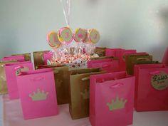 Lembrancinha Coroas Princesas Pirulito Aniversario Pink