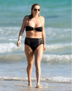 10 celebrity photos sans Photoshop. Kinda eye-opening. And cellulite-affirming. :)