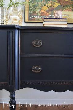 Buffet Makeover using Country Chic Paint Liquorice by Lily Field Furniture Co. #lilyfieldfurniture #paintedfurniture #chalkpaint #countrychicpaint #decor #homedecor #interiordesign #design #diy #home #homesweethome #thriftscorethursday