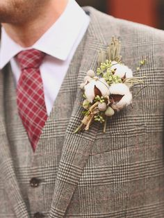 Suave Boutonniere Styles for Dapper Grooms | TheKnot.com
