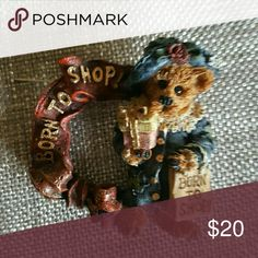 Boyd's Bears Born to Shop Pin Born to Shop Wreath Pin by Boyd's Bears, Perfect Condition Boyds Bears  Jewelry Brooches
