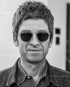 Beady Eye, Liam Gallagher, Oasis, Fangirl, Mens Sunglasses, Boyfriend, People, Beauty, Champagne