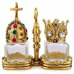 King And Queen Salt And Pepper Shaker:
