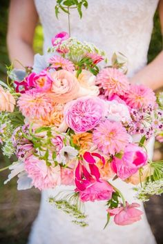 Colorful pink and orange wedding bouquet #weddingbouquet #bouquet