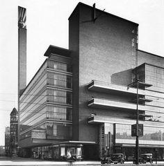 Facade Brick Glass Balcony  Magazijn de Bijenkorf, Willem Dudok, Rotterdam 1930 - 1960