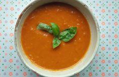 Cremet tomatsuppe med mascarpone - opskrift på tomatsuppe