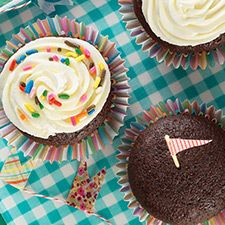 Bake Sale Fudge Cupcakes: King Arthur Flour