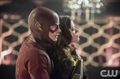 """The Flash -- """"Rogue Time"""" -- Image FLA116B_0149b -- Pictured (L-R): Grant Gustin as Barry Allen / The Flash and Peyton List as Lisa Snart -- Photo: Dean Buscher/The CW -- © 2015 The CW Network, LLC. All rights reserved.pn"""