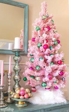 Pink Christmas Tree Decorations, Christmas Trees For Kids, Beautiful Christmas Trees, Christmas Ideas, Christmas Gifts, Small Pink Christmas Tree, Holiday Ideas, Christmas Manger, Cosy Christmas