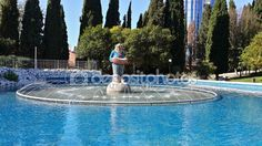 Fountain Merry clown near the circus, Sochi, Russia — Stock Photo © Lana4ka.SK #112782378