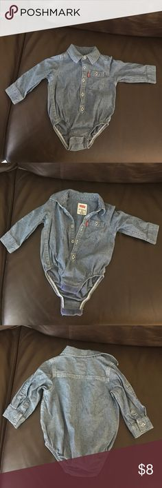 Levis baby boy denim chambray Pre owned button down bodysuit onesie in great condition. Snaps closure on inseams. Levi's One Pieces Bodysuits