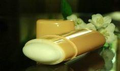 Domáci dezodorant účinnejší ako z obchodu Diy Deodorant, Natural Deodorant, Diy Makeup, Glass Of Milk, Hair Beauty, Nail Polish, Homemade, Nails, Health