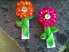 2 Mini Button Flowers Ribbon Sculptures by patyg13 on Etsy