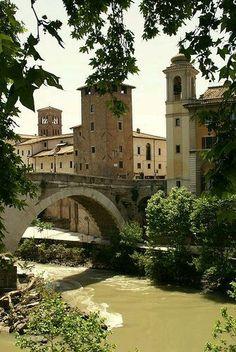 Puente de la isla Tiberina Roma Italia