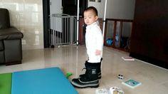 20개월 민국이... 내겐 너무 큰 신발~ #송민국 #songminguk
