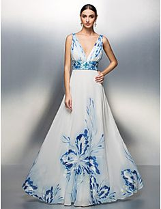 TS Couture® Prom / Formal Evening / Military Ball Dress - Floral / Elegant Plus Size / Petite A-line / Princess V-neck Floor-length Chiffon – USD $ 129.99
