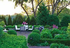 Gardens at First Light terrace Garden Design Pictures, Garden Posts, Art Deco Buildings, Moon Garden, Garden Inspiration, Garden Ideas, Patio Ideas, Private Garden, Outdoor Dining