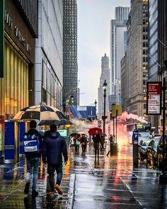 #NewYorkCity #NewYork #NYC #wanderlust #newyork_instagram #nycprimeshot #nycdotgram #instagramnyc #icapture_nyc #welovethiscity #what_i_saw_in_nyc #justgoshoot #positiv_newyork #newyork_ig #ig_worldclub #igworldclub #TimeOutNewYork #instagood #instaphoto #nycskylines #sky_high_architecture #architecture #architecturelovers #architecturephotography #streetphotography #ig_nycity New York City Christmas, City Scene, Time Out, Sky High, Just Go, Street Photography, Places To Travel, The Good Place, Street View
