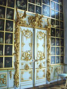 Marie Antoinette's Playhouse: Photo (Source: deformographyy)