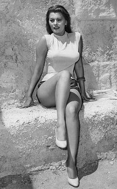 """Sophia Loren.....5' 9"""" legs that went on forever ...not skinny legs a woman's legs..."""