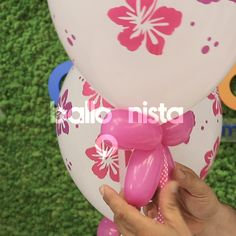 Europe's largest manufacturer of natural rubber latex balloons biodegradable, long lasting and ultra resistant. Birthday Balloon Decorations, Balloon Centerpieces, Diy Wedding Decorations, Birthday Balloons, Hanging Balloons, Balloon Backdrop, Balloon Columns, Ballon Crafts, Hibiscus Bouquet
