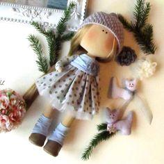 Para la confección - textil Doll - muñeca de tela - Interior la muñeca - muñeca de trapo - muñecas hechas a mano - Tilda - regalo de Navidad para mujer  Le sugiero que para comprar un sistema para la confección muñecas textil. La altura de la muñeca-30sm (12,5 ).  El conjunto incluye: 1. mini instrucciones con fotos para hacer una muñeca 2. patrón del cuerpo de la muñeca (usted será capaz de hacer un montón de tales muñecas más adelante) 3. las partes del cuerpo cosido y relleno con relleno…