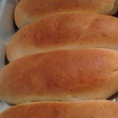 Pão caseiro (muito bom, muito macio) Bread Recipes, Cooking Recipes, Corn Cakes, Keto Lunch Ideas, Bread Cake, Portuguese Recipes, Holiday Cakes, Healthy Chicken Recipes, Sweet Bread