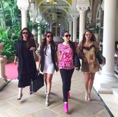Kareena Kapoor, Karisma Kapoor, Malaika Arora and Amrita Ladak look awesome foursome! Kareena Kapoor Khan, Kareena Kapoor Pregnant, Mahira Khan, Bollywood Stars, Bollywood Fashion, Bollywood Celebrities, Bollywood Actress, Celebrities Fashion, Bollywood News
