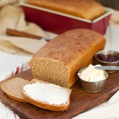 En enkel, god och klassisk Blidölimpa passar perfekt som frukostbröd. Swedish Recipes, Fika, Bread, Cooking, Breads, Baking, Sandwich Loaf