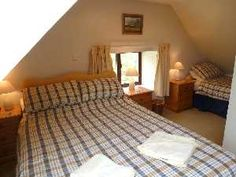 Aberlour Centre cottage sleeps 2-4 in 2 bedrooms - upstairs double and single