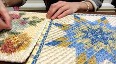 How to Chenille.using the chenille tool Chenille Quilt, Chenille Crafts, Rag Quilt, Quilt Blocks, Missouri Quilt, Layer Cake Quilts, Quilted Potholders, Half Square Triangle Quilts, Quilt Patterns Free