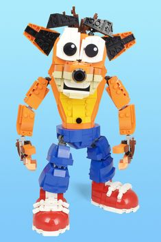 Jarren Harkema - Crash Bandicoot - Crash features 27 points of articulation, including a swiveling waist, adjustable ears, and tweakable eyebrows. The part count for Crash rings up at exactly 800 elements! If you like this and would like to see Crash become an official LEGO Set, please support my project on LEGO Ideas