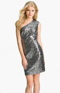 One Shoulder Sequin Dress. http://www.vudress.com/one-shoulder-sequin-dress-p-835.html