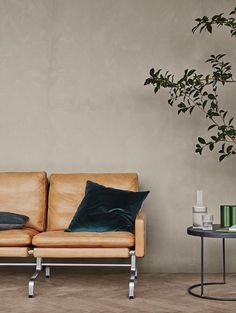 With the Neutral Colors Trend your home decoration will be full of light and elegance. Colorful Furniture, Cheap Furniture, Furniture Design, Furniture Outlet, Furniture Stores, Colour Schemes, Color Trends, Jotun Lady, Furniture Dolly