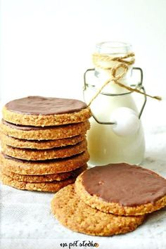 Razowe ciastka digestive bez cukru Healthy Baked Snacks, Healthy Cake, Healthy Cookies, Sugar Free Recipes, Baby Food Recipes, Cookie Recipes, Dessert Recipes, Vegan Sweets, Healthy Sweets